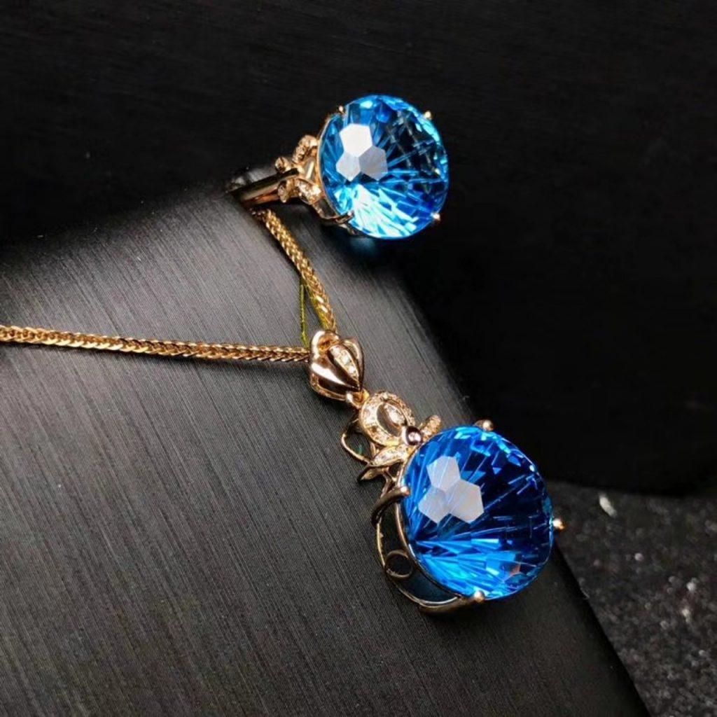 Khỏe – đẹp – bình an với trang sức đá quý, vật phẩm phong thủy