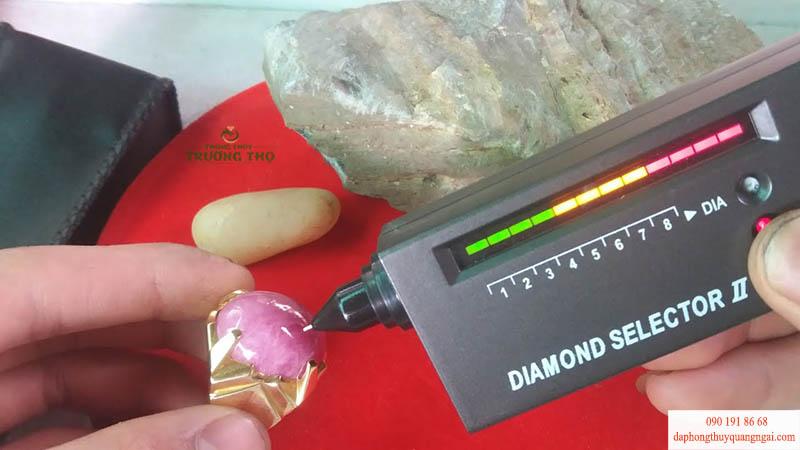 Độ cứng là tiêu chuẩn để chọn khoáng vật làm sản phẩm gia công thành trang sức đá quý tại Phong Thủy Trường Thọ Quảng Ngãi
