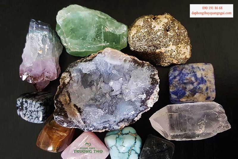 Độ hiếm và hình dạng tự nhiên cũng là một trong các tiêu chí để chọn đá quý làm trang sức