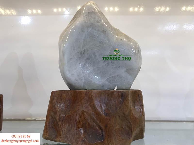 Nên lưu ý ở vị trí đặt đá để mang lại may mắn, thuận lợi nhất